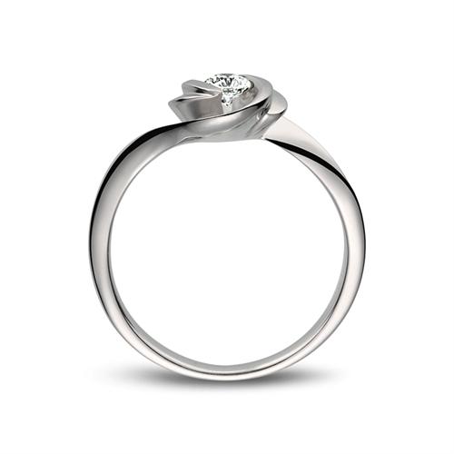 0.3克拉钻石多少钱 30分钻石多少钱