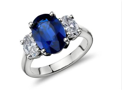 两克拉蓝宝石戒指多少钱
