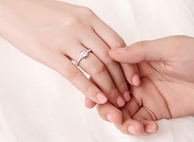 4种简单的浪漫求婚方式