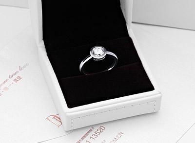 买DR的戒指香港有现货吗