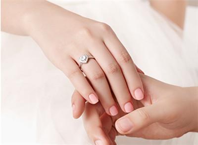 结婚戒指与求婚戒指的区别